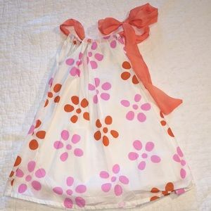 Adorable Funkyberry ribbon tied halter top. Cute!